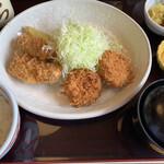 Tonkatsumurahachi - カキフライとヒレカツ