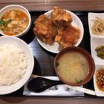 中国料理 布袋 - Bランチ(930円)ザンギ3ケ 麻婆豆腐 ご飯 スープ ご飯のお供