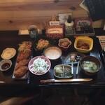 お寺 - お寺ランチ970円と単品牡蠣フライ570円。凄い量でヘルシーでは無くなってしまった〜