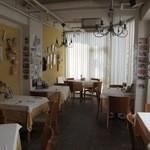 ナポリ、アマルフィ料理 Ti picchio - テーブル席