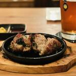 クラフトビアサーバーランド - 牛肉とニラの落とし焼き(half 720円)