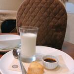 146095270 - ミルクプリンと和紅茶