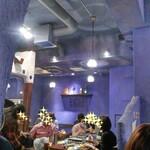 Dhaba India - 賑わう店内