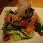 とり屋一億 - 海鮮サラダ