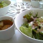 カフェ カトル ヴァン ヌフ 横浜 - スープとサラダ