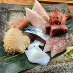Oyaji - 本日のお刺身盛り合わせ ぶり、甘えび、〆さば、やりいか、めじまぐろ、かじきまぐろ昆布締め、真鱈子付け、鯛