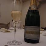 14611397 - 乾杯のシャンパン♪