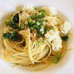 BISTRO La Plume - イカと菜の花のペペロンチーノ