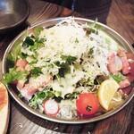 和×伊 大衆酒場カランコロン - 料理写真:シーザーサラダ