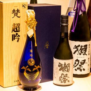 贅沢な鮨とともに愉しむ、精選した日本酒とワイン
