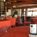 カフェ・スコーラ - ワンちゃんOKのテラス。冬は出来るだけ暖かくしてくれます。