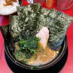 王道家 柏店 - ラーメン700円麺硬め。海苔増し100円。