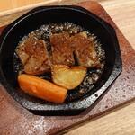 ひぜんや - 料理写真:「プレミアムステーキ」オニオンソース