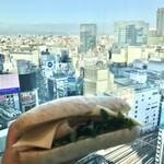 5 クロスティーズ コーヒー - ハム&ゴーダチーズサンド590円