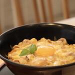 Oyakodongottsutabenahare - 厳選たまごと軍鶏の親子丼