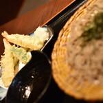おらが蕎麦 - 海老天ざるそば(791円+税)2021年2月