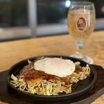クラフトビール&広島お好み焼き dspeed - 豚玉+目玉焼き