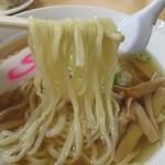 146178493 - 麺にスープが絡む・・。