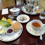ベノア - 紅茶とスコーン