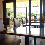 カフェ イ・ルンガ - テラス席もありますが暑い時はつらいですよね〜 2012.08.15