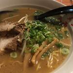 和歌山ラーメン 八両 - 料理写真:しょうゆトンコツ