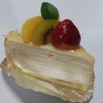 菓子の里 - ミルクレープ 393円