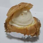 菓子の里 - シュークリーム 154円