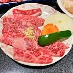 大将 - 料理写真:バラ 肉は普通にうまい 1040円税込