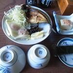 民宿 高原 - 料理写真:朝ご飯です。シンプルでした