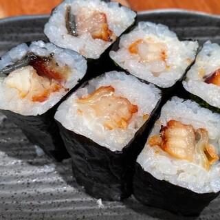 ツマミにも〆にもなる【アテ巻き】鰻クリームチーズ巻き580円