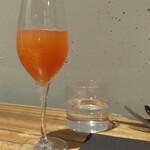 ジェルモーリオ - 季節の果実(グレープフルーツ)のスプマンテ割り