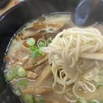 長浜ラーメン力 - 麺(カタ)