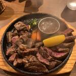 STEAK&HAMBURG ひげ -