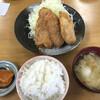 とんかつ亭ひさやま - 料理写真:ご飯と豚汁とお新香付き。(小)はご飯のお替りはできません。