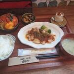 きまぐれごはん屋 いろはとね - 料理写真:今週の いろはとね 定食(チキンソテー) 1,000円(税込)