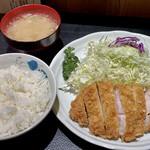 146281619 - 上ロースカツ定食(160g)