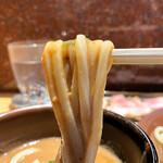 中華蕎麦 とみ田 - つけ汁に浸すと歯に絡む食感に