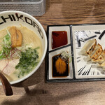Torisobajiyuubanichikoro - 純鶏あおさそば+焼き餃子(6ケ)