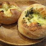 アルペンローゼ - 料理写真:ゴーダフランス、自家製バジルと4種のチーズピザ