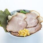 五代目晴レル屋 - 料理写真:とんこつ味噌らーめんチャーシュー増し