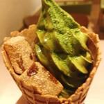 マッチャ ハウス 抹茶館 - ぷるんぷるんのわらび餅トッピング
