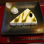豆本舗 藤乃家 - 意外に大きい豆腐チーズケーキ