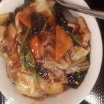 北京飯店 - 中華丼ラーメンセットの中華丼