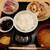 ほんまち屋 - おまかせお造りとカマ塩焼きが両方楽しめる!お代わりOKのご飯とみそ汁付き、せっと定食830円