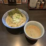 146313044 - 奥原流つけ麺 ごま味噌 普通400g