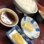 山力 - ご飯とお味噌汁
