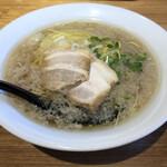 麺や 佐渡友 - 料理写真:醤油らー麺 こってり 680円