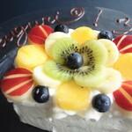 リストランテ ボルゴ・コニシ - バースデーケーキのご予約は二日前まで