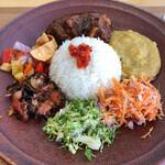 nilu curry - スリランカプレート ライス大盛り 1500円