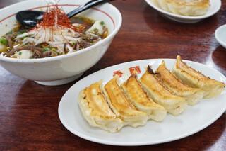 来らっせ - ☆香蘭 ・焼餃子 (1人前6個) 300円/税込 ・黒スープ餃子 420円/税込